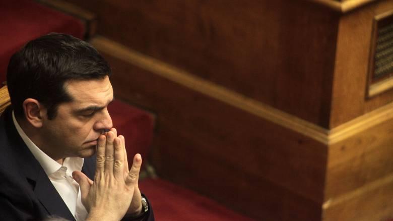 Οι πονοκέφαλοι Τσίπρα, οι δανειστές και τα σενάρια για εκλογές ή νέο σχήμα