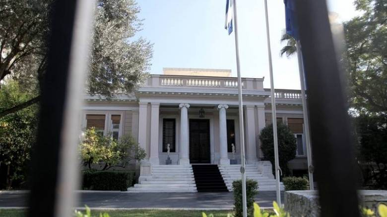 Απάντηση ΣΥΡΙΖΑ για τον αριθμό των μετακλητών υπαλλήλων