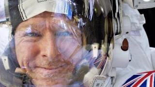 Αστροναύτης απαθανάτισε κεραυνούς να χτυπούν τη Γη