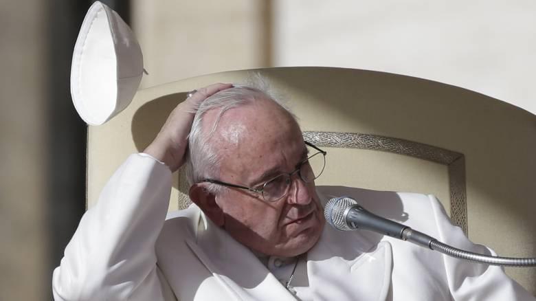 Οι ευχές του Πάπα μέσω WhatsApp για τη Σαρακοστή