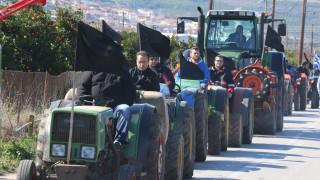Αγροτικές κινητοποιήσεις: Ζεσταίνουν τα τρακτέρ για την Αθήνα οι αγρότες