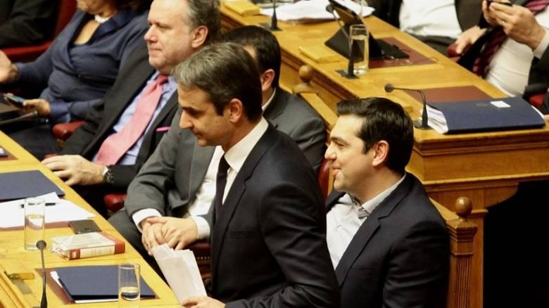 Βουλή: Σφοδρή σύγκρουση για τα κανάλια και τη διαπλοκή