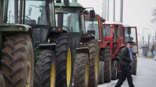 Αγροτικές κινητοποιήσεις: Ακινητοποιημένοι οι αγρότες στον Ισθμό