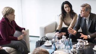 Η Άνγκελα Μέρκελ υποδέχθηκε τον Τζορτζ Κλούνεϊ