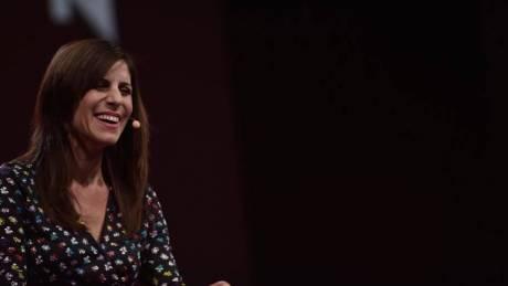 """Αλίκη Θεοφιλόπουλος: Η Ελληνοαμερικανίδα που... """"ζωγραφίζει"""" στη Disney"""