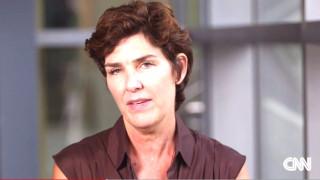 Δεκαεπτά χρόνια μετά η μητέρα ενός μακελάρη εξομολογείται