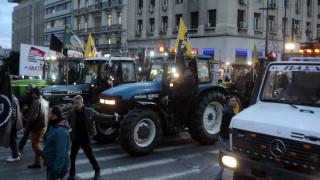 Αγρότες: «Μπλόκο» στο Σύνταγμα, «έμφραγμα» στους δρόμους