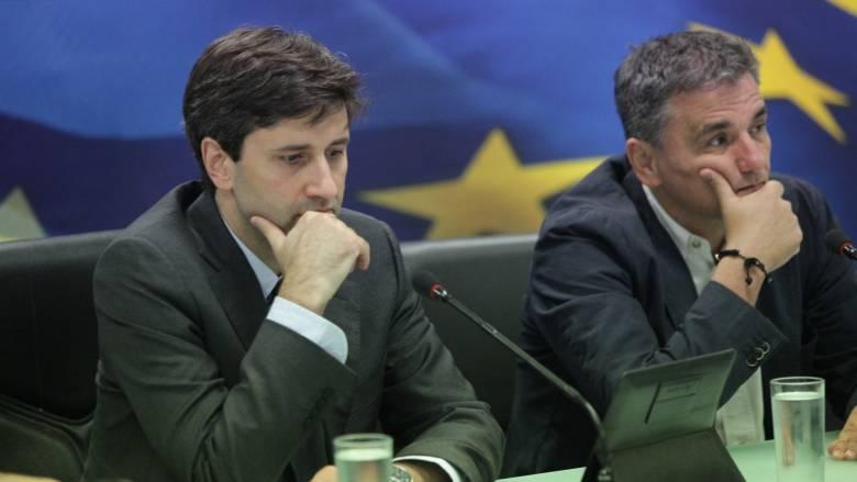 Τα ανοικτά μέτωπα θα καθυστερήσουν την επιστροφή των θεσμών στην Αθήνα