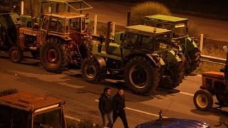 Μπλόκα από τους αγρότες σε Νεστάνη, Ισθμό και Σπάρτη