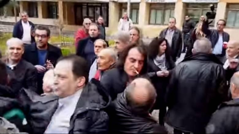 Ένταση στην Κοζάνη με βουλευτές του ΣΥΡΙΖΑ και αγρότες