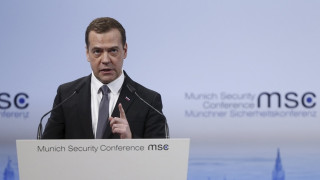 Mεντβέντεφ: Ολοκληρωτικός πόλεμος μια χερσαία επέμβαση στη Συρία