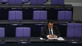 Μην απομονώνετε την Ελλάδα, λέει ο Ζίγκμαρ Γκάμπριελ