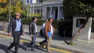 Αγρότες: Διαβουλεύσεις στα μπλόκα και προτάσεις στον Τσίπρα