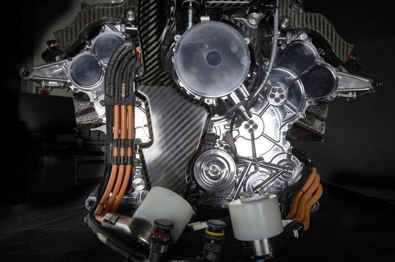 Mercedes V6 F1 ENGINE 4