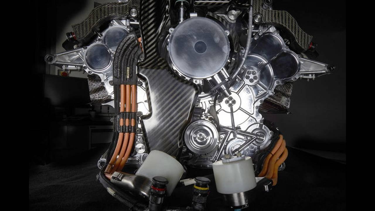https://cdn.cnngreece.gr/media/news/2016/02/15/21784/photos/snapshot/Mercedes-V6-F1-ENGINE-4.jpg