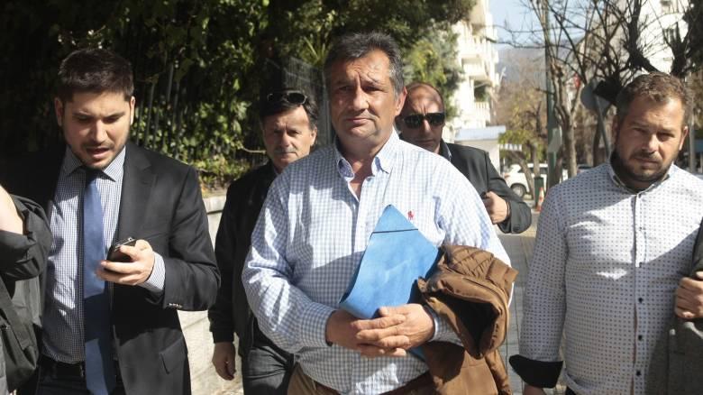 Αγρότες: Στάση αναμονής με τις «ρόδες στραμμένες στην Αθήνα»