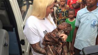Εθελόντρια έσωσε παιδάκι που κατηγορήθηκε για μαγεία