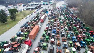 Βούλγαροι φορτηγατζήδες έστησαν αντι-μπλόκα στα ελληνικά σύνορα
