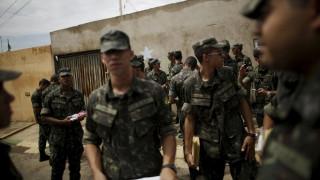 Βραζιλία: Ο στρατός έχει ριχτεί στη μαχη κατά των κουνουπιών που μεταδίδουν τον Ζίκα