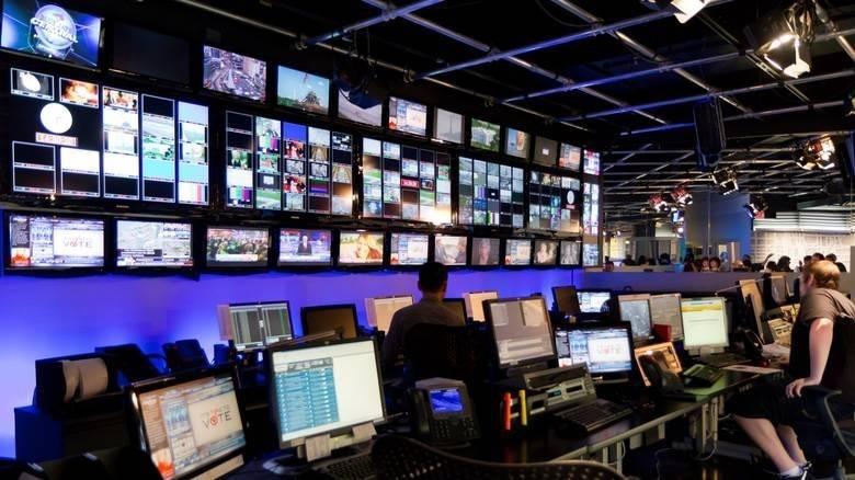 Τηλεοπτικές άδειες: Σκληρό μπρα ντε φερ με φόντο τα ιδιωτικά ΜΜΕ