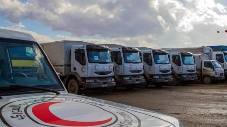 Φορτηγά με ανθρωπιστική βοήθεια στα προάστια της Δαμασκού