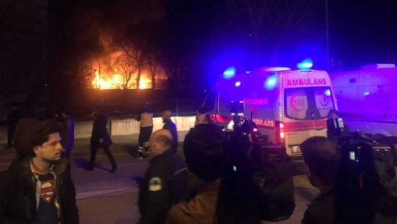 Bομβιστική επίθεση με νεκρούς και τραυματίες κατά Τούρκων στρατιωτών στην Άγκυρα