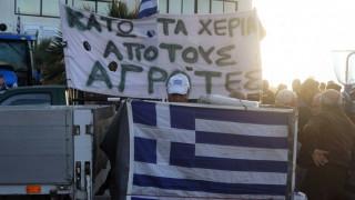 Κρήτη: Κατάληψη της ΔΟΥ Αγίου Νικολάου από αγρότες και κτηνοτρόφους