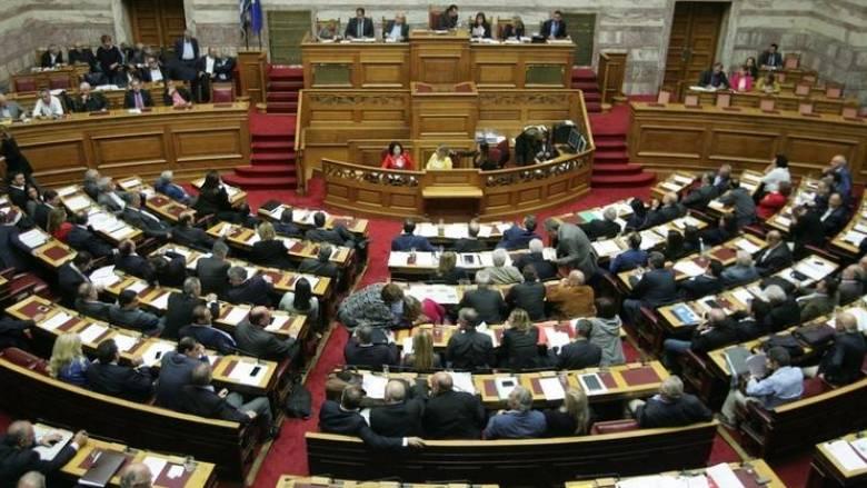 Καβγάς στη Βουλή για την υγειονομική κάλυψη των μεταναστών