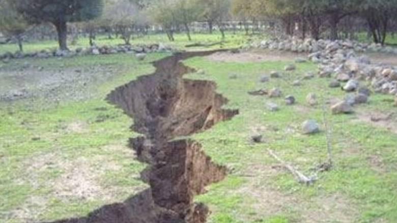 Το ελληνικό χωριό-φάντασμα που «καταπίνει» η γη