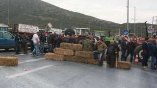 Αγρότες: Στα μπλόκα μέχρι τη συνάντηση με τον Τσίπρα
