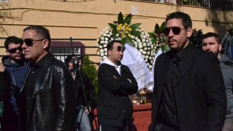 Κηδεία Παντελίδη: Φίλοι και συνεργάτες στο λαϊκό προσκύνημα