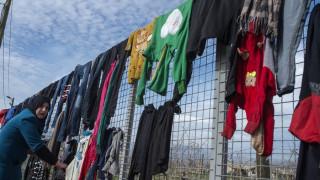 Πρόσφυγες: Αντιμέτωποι με τον «νόμο της ζούγκλας» στα σύνορα Τουρκίας-Συρίας