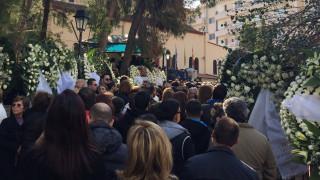 Κηδεία Παντελίδη: Το τελευταίο χειροκρότημα του κόσμου υπό τη μουσική του