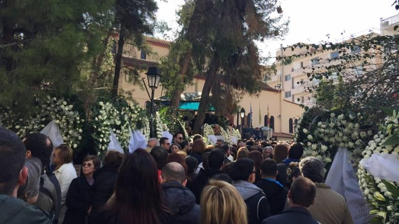 Κηδεία Παντελίδη: Πάνω από 6.000 χιλιάδες κόσμος στο Κοιμητήριο Μεταμορφώσεως