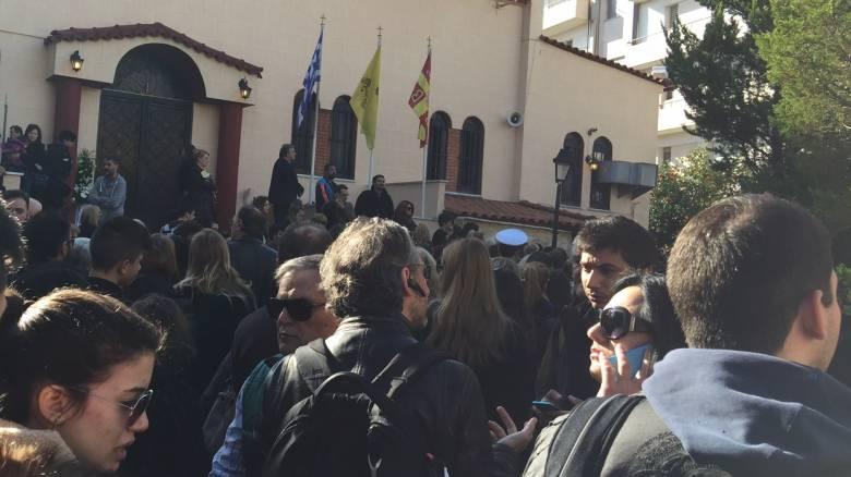 Κηδεία Παντελίδη: Λαϊκό προσκύνημα στο τελευταίο χειροκρότημα