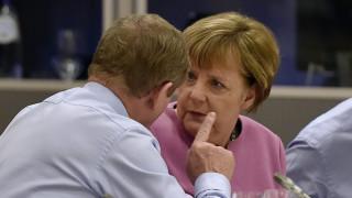 FT για Σύνοδος Κορυφής: Το προσφυγικό εξακολουθεί να διχάζει την Ευρώπη