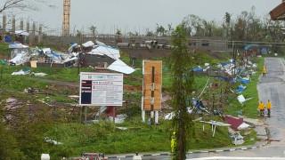 Φονικός κυκλώνας σαρώνει τα Φίτζι