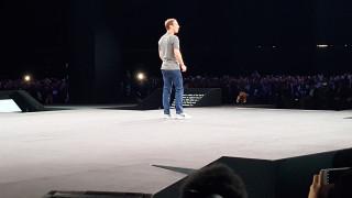 Ο Μαρκ Ζάκερμπεργκ εμφανίστηκε στην παρουσίαση του Samsung Galaxy S7