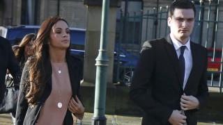 Σοκάρει στην απολογία του στο Δικαστήριο ο Τζόνσον, που επιμένει ότι «έμειναν» στο φιλί.
