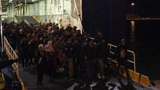 Λιμάνι Πειραιά:  Έφτασαν περίπου 1300 πρόσφυγες