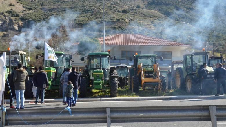 Εισαγγελική παρέμβαση για τα μπλόκα των αγροτών