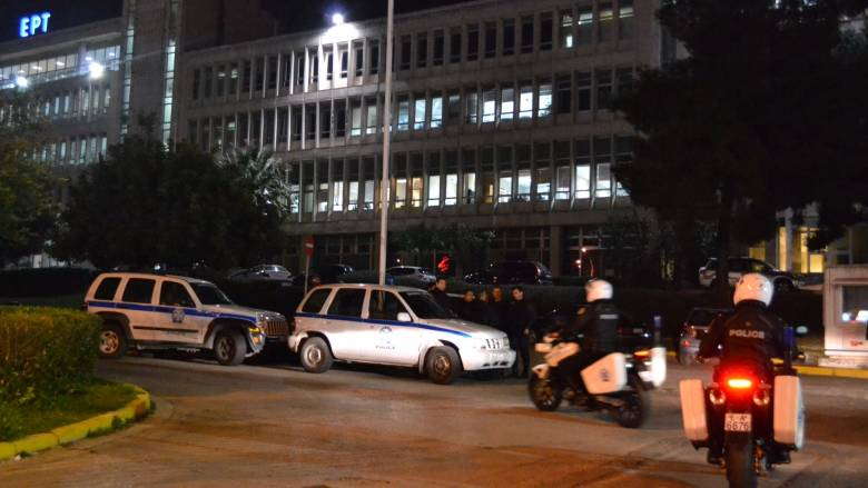 Στον εισαγγελέα οδηγούνται τα 22 μέλη του Ρουβίκωνα
