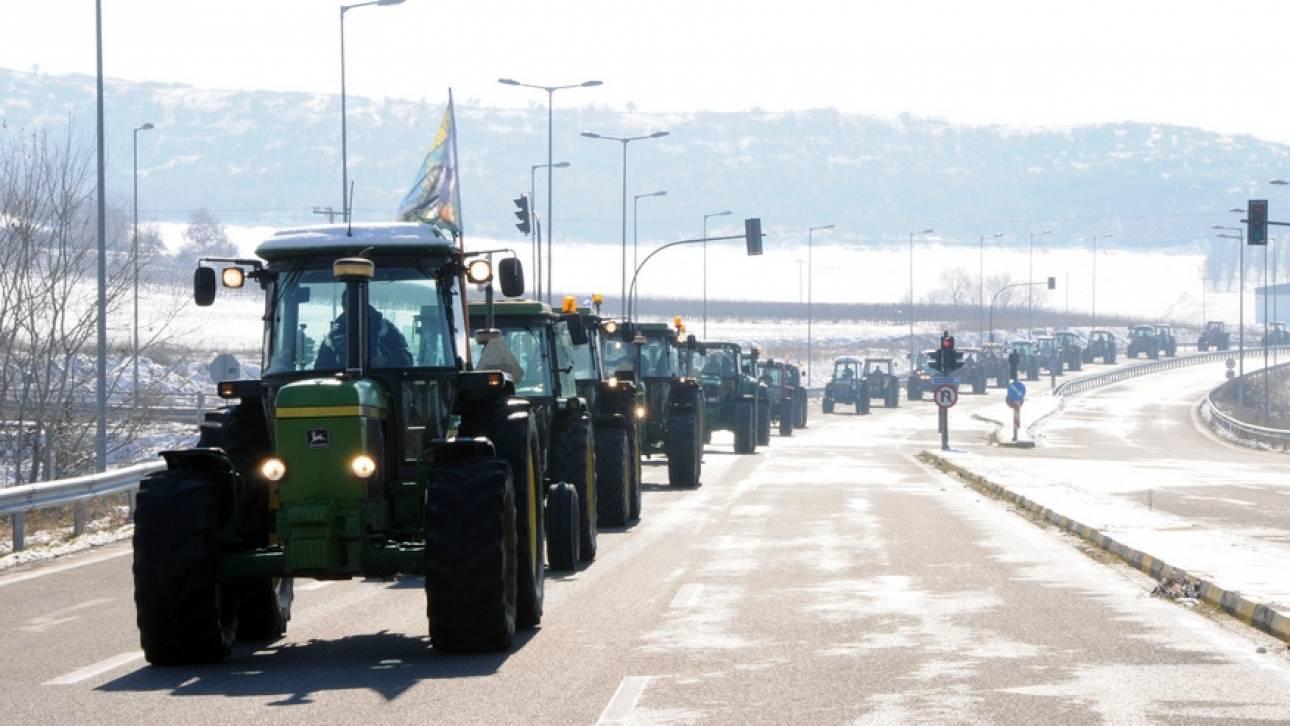 Μπλόκα αγροτών: Άνοιξαν Ισθμός και Τέμπη