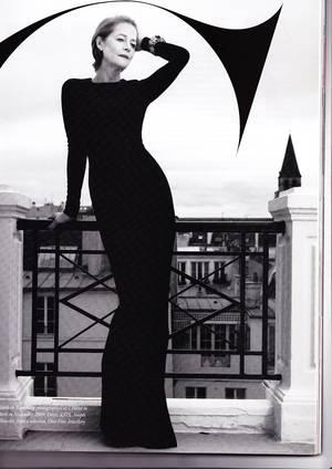 Η Σαρλότ Ράμπλινγκ φωτογραφημένη από τους Sofia & Mauro για το περιοδικό Harper's Bazaar