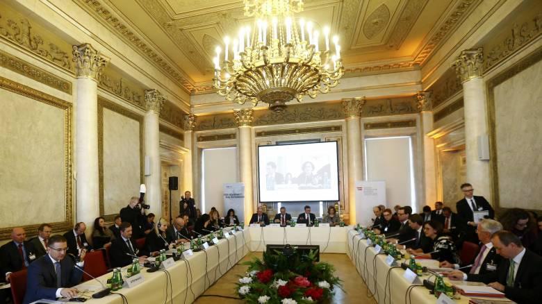 Διάσκεψη Βιέννης: «Στενή συμμαχία» για περιορισμό των προσφυγικών ροών