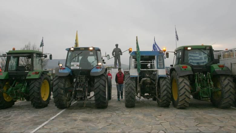 Στο Μαξίμου τα «σκληρά» μπλόκα των αγροτών