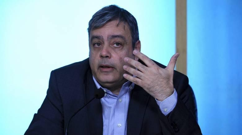 Σφοδρές αντιδράσεις των κομμάτων για τη διάταξη Βερναρδάκη που προβλέπει 33 διοικητικούς γραμματείς