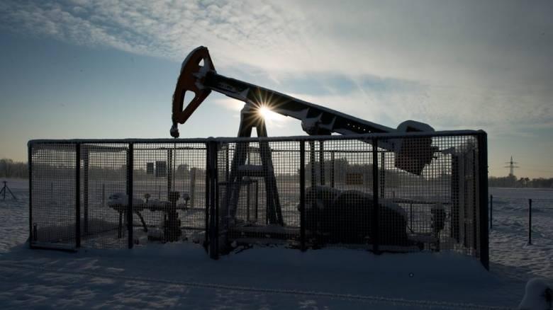 Πετρέλαιο: Ανεβοκατεβαίνουν οι τιμές λόγω της ζήτησης της βενζίνης στις ΗΠΑ
