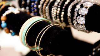 Ρόδος: Άρπαξαν από κοσμηματοπώλη κοσμήματα αξίας 200.000