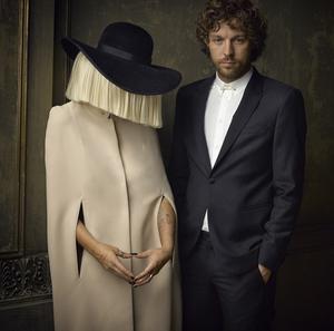 Sia και Erik Anders Lang